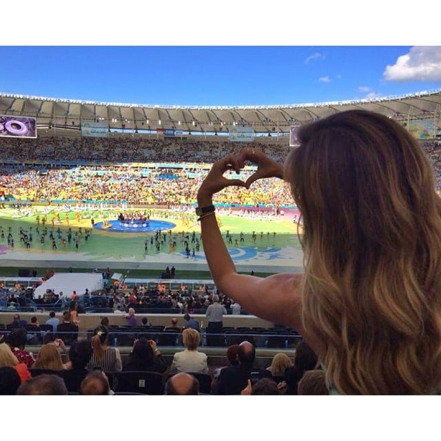 Gisele Bndchen Made A Heart Symbol With Her Hands At The World Cup