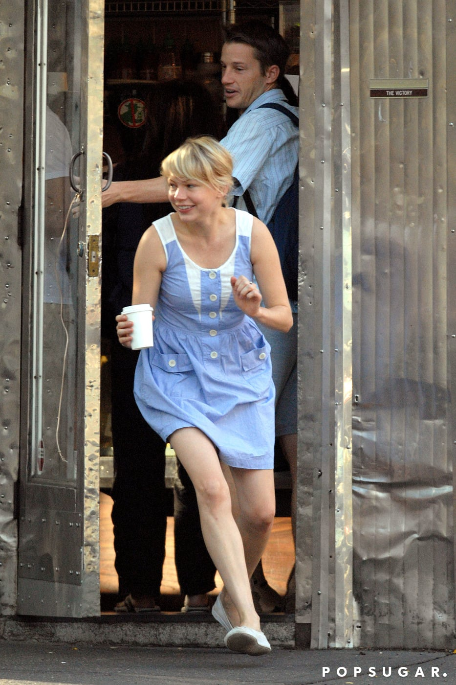 Michelle Williams had to run to catch up with Matilda outside their favorite Brooklyn coffee shop in August, 2008.