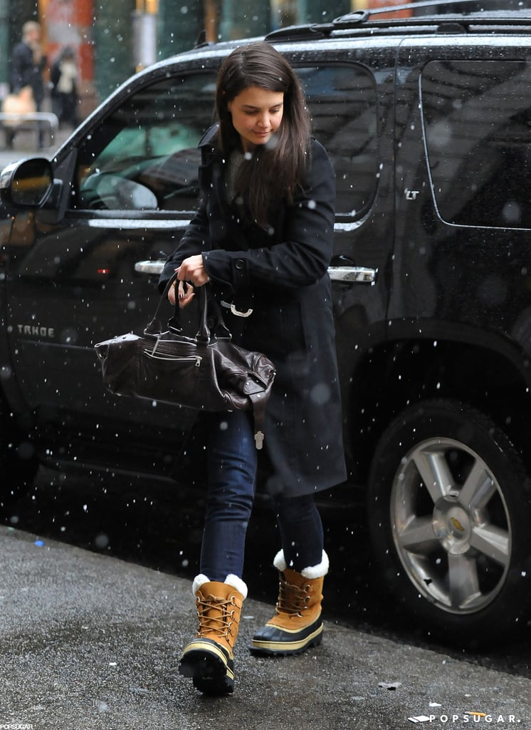 Katie Holmes tried to keep warm in NYC during the snowstorm Friday.