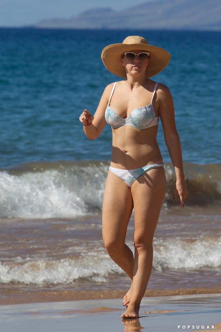 Jodie Sweetin In A Bikini In Hawaii Pictures December 2017 Popsugar Celebrity Photo 4