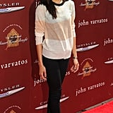 Zoe Saldana posed on the red carpet.