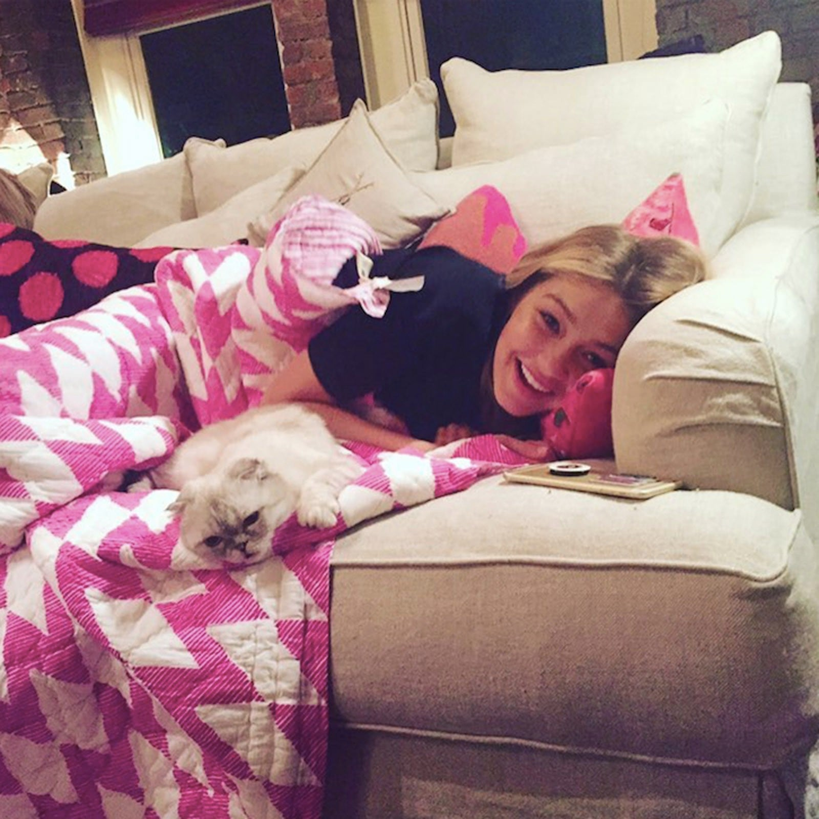 Pictures Of Taylor Swift S Cats Popsugar Pets