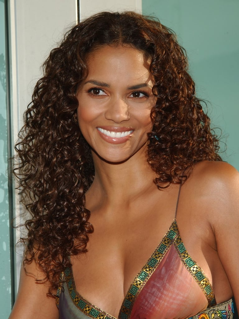 halle's hair hit new lengths at the 2002 catwoman premiere