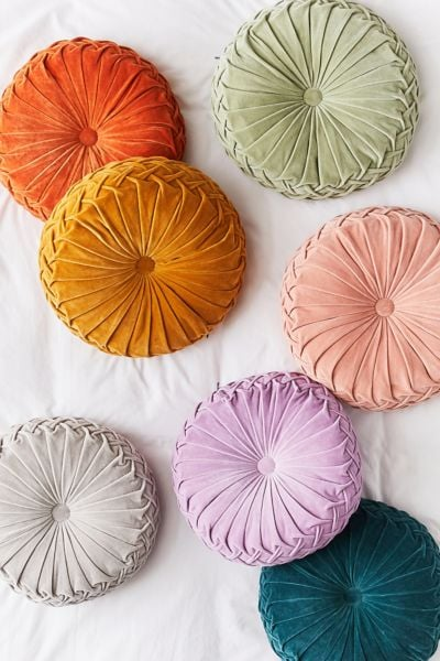 Round Pintuck Pillows
