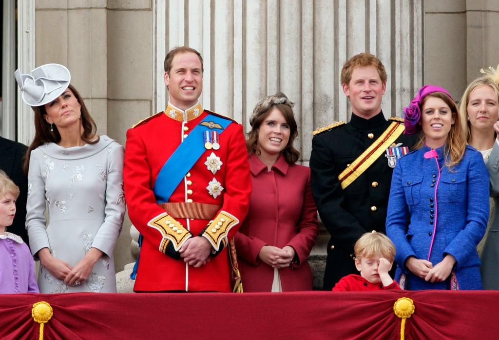 أفراد العائلة المالكة الذاهبين إلى حفل زفاف الأميرة يوجيني