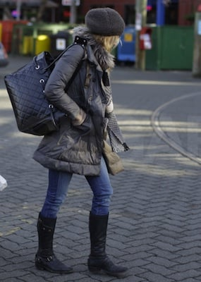 Blake Lively in Burberry Scarf in Vancouver