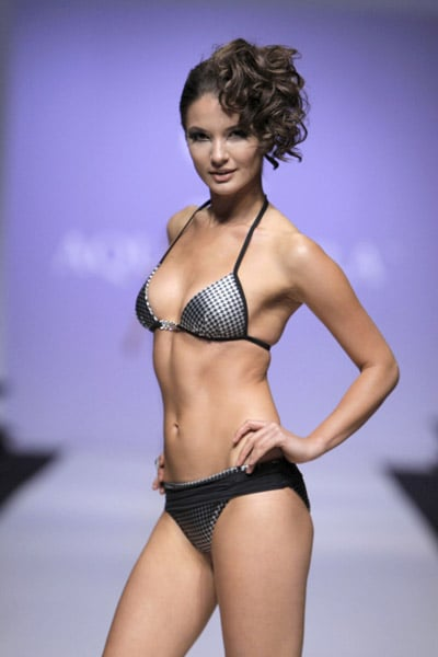 L'Oreal Toronto Fashion Week: Aqua di Lara Spring 2009