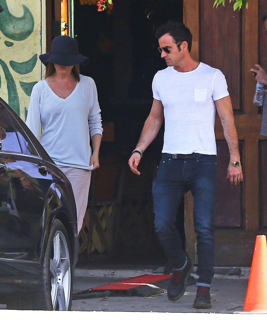 Jennifer Aniston Takes a Cake Break For Justin Theroux