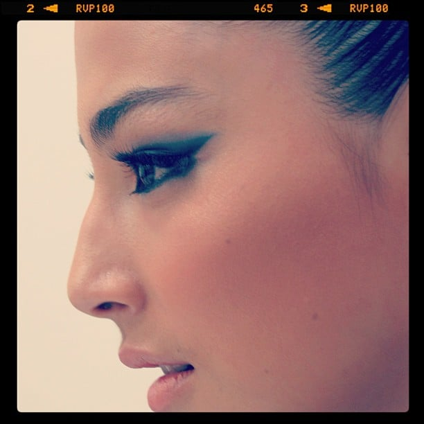 Purrrfect makeup spotted on Jessica Gomes. That cats-eye sweep is stunning! Source: Instagram user garypeppergirl