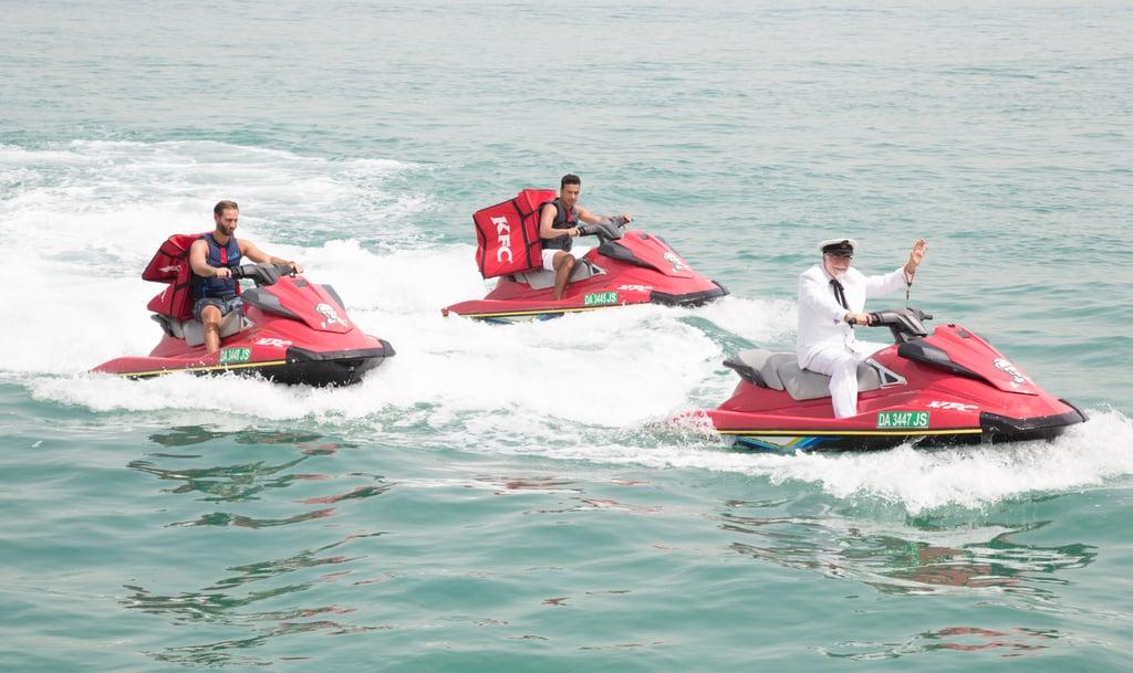 لستم تحلمون فقد أبحر يخت كنتاكي على شاطئ دبي فعلاً