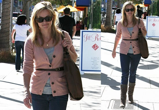Photos of Reese Witherspoon Shopping in LA 2009-11-17 17:00:19