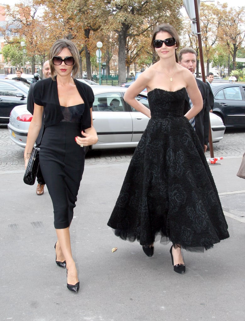 Victoria in Paris with Katie Holmes in 2006, wearing a ...