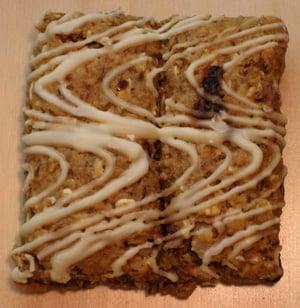 Review of Luna Tea Cakes: Vanilla Macadamia Flavor