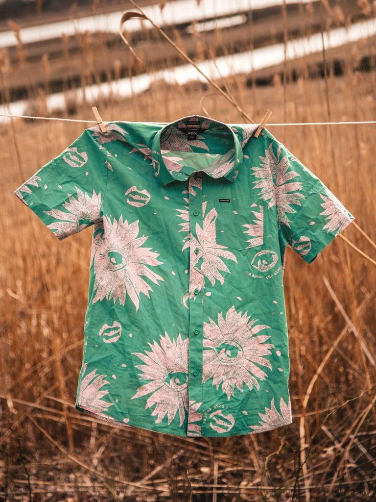 Shop Sarah's Exact Green Hawaiian Shirt