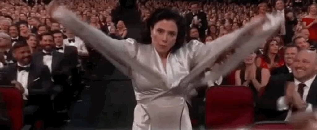 Alex Borstein Taking Off Her Shawl at the 2018 Emmys