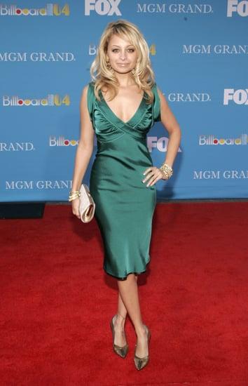She-showed-off-rather-stunning-red-carpet-look-Billboard