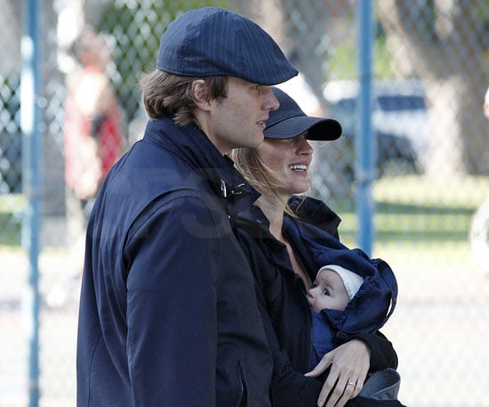 Slide Picture of Gisele Bundchen and Benjamin in LA 2010-05-01 10:30:00