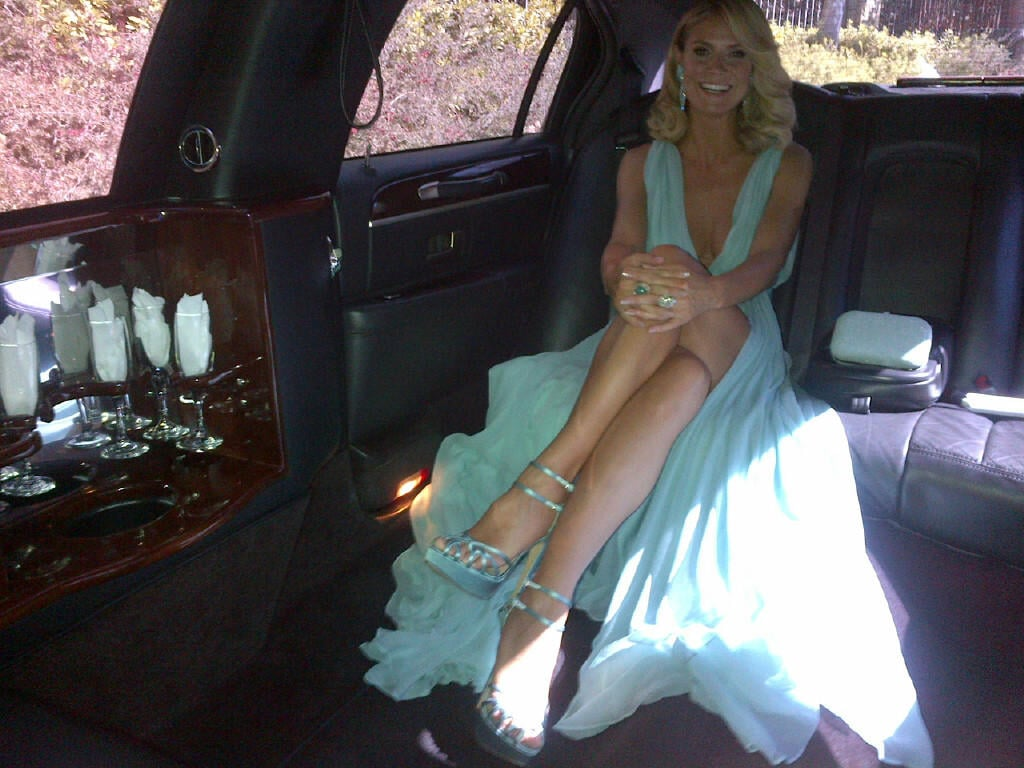 Heidi Klum showed a lot of leg in the limo. Source: Twitter user heidiklum