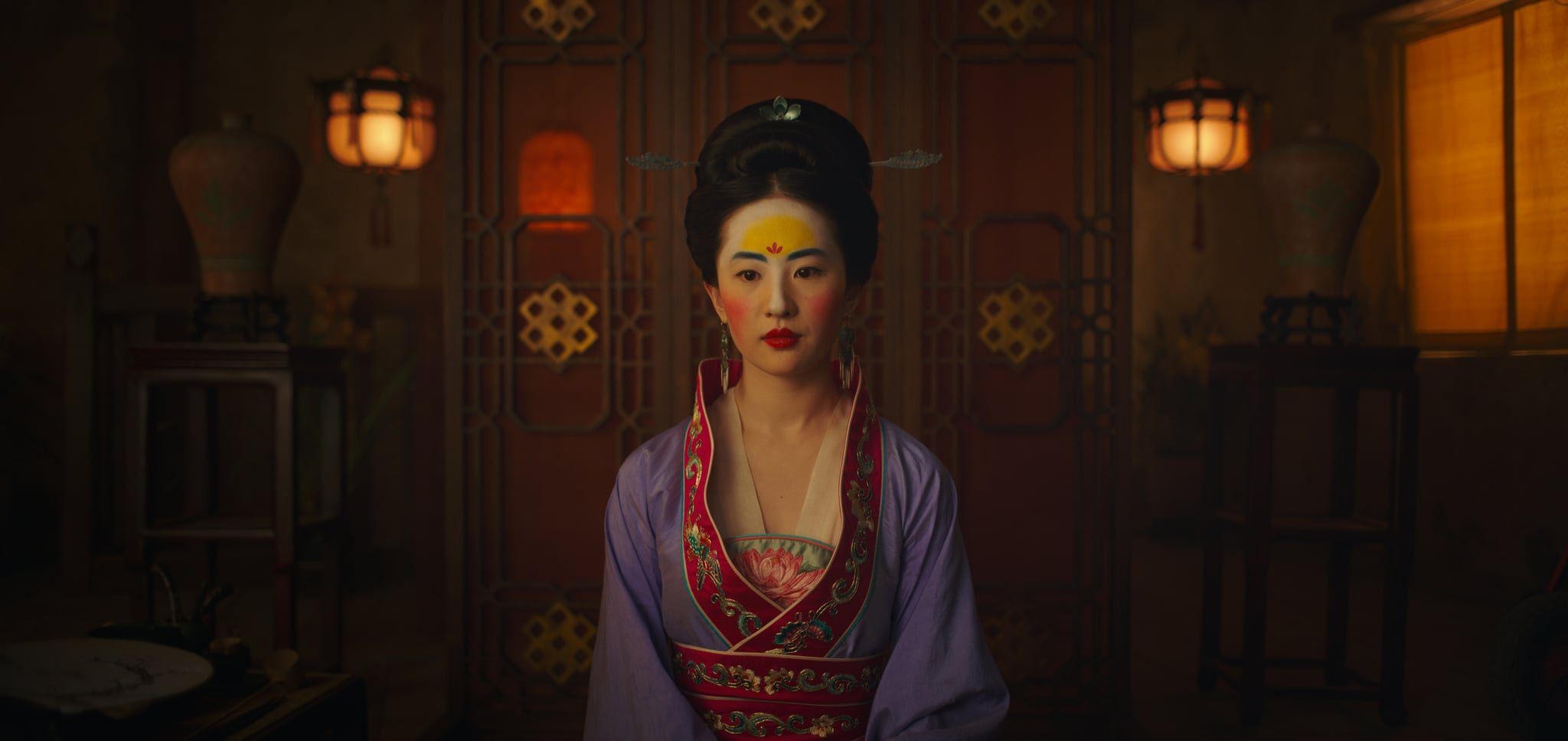 See All Of Mulan S Outfits In The Disney Live Action Remake Popsugar Fashion
