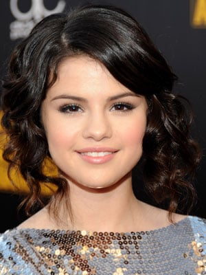 Photos of Selena Gomez at the 2009 American Music Awards