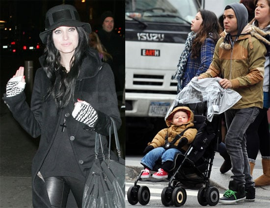 Photos of Pete Wentz and Bronx at a NYC Park 2009-12-08 10:13:17
