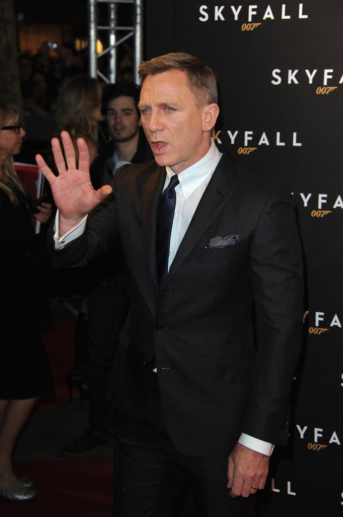 Daniel Craig waved to fans on the red carpet.