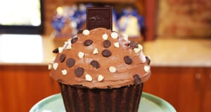 This Giant Chocolate Cupcake Defies Science and Tempts Taste Buds