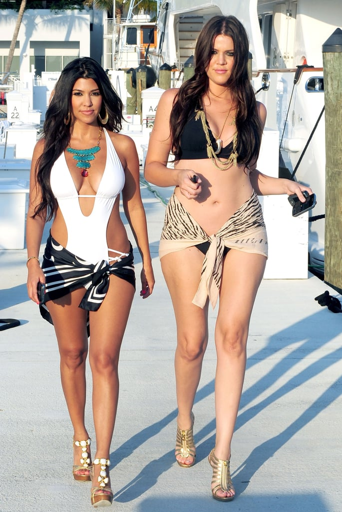 The sexiest kardashian outfits popsugar fashion for What s up with the kardashians