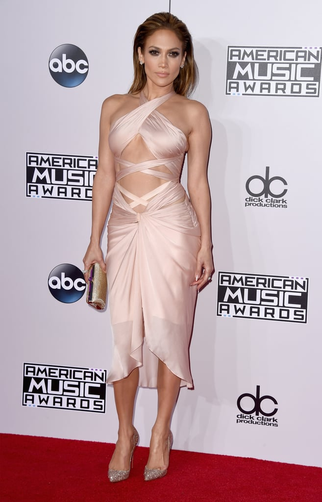 Jennifer Lopez Makes It All About Her Abs and Booty at the AMAs