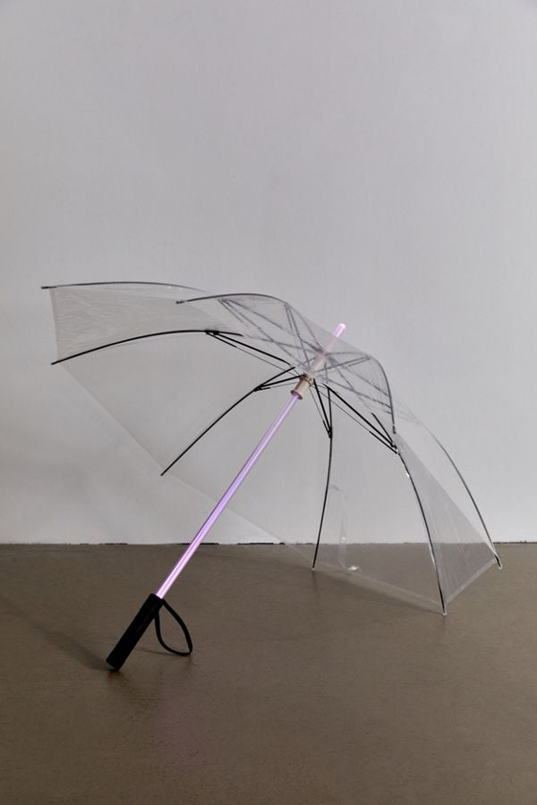 This Light-Up Umbrella Comes With 7 Different Colours