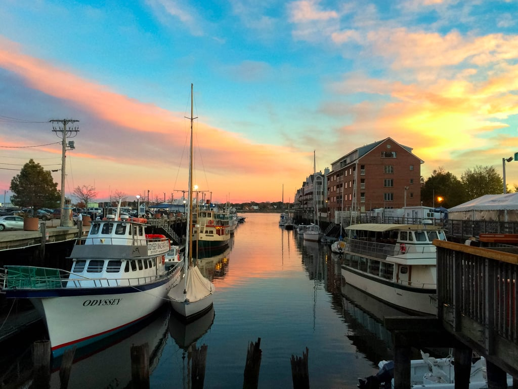 Things to do in portland me popsugar smart living for What time is it in maine right now