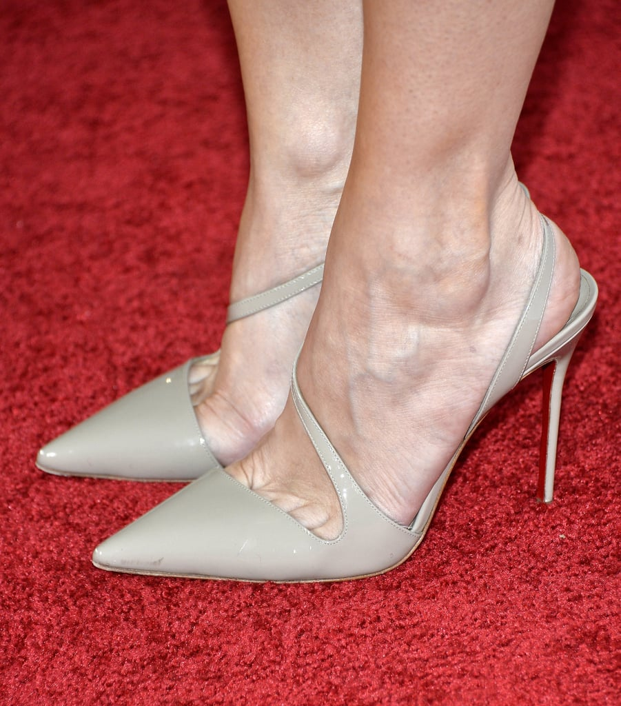 On The Secret Life of Walter Mitty red carpet, nude pumps got a fancy twist, thanks to some sexy straps on Kristen Wiig's pair.