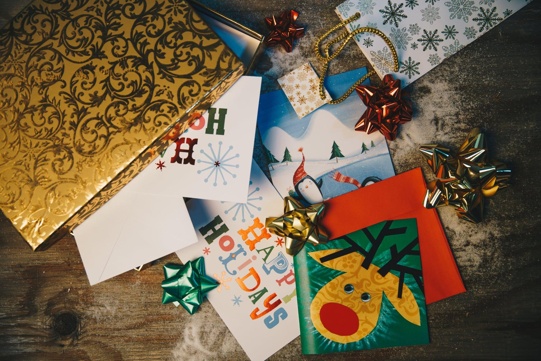 tmp_L4L82V_8b96891a1d06bd05_holiday-cards-gift-wrap.jpg