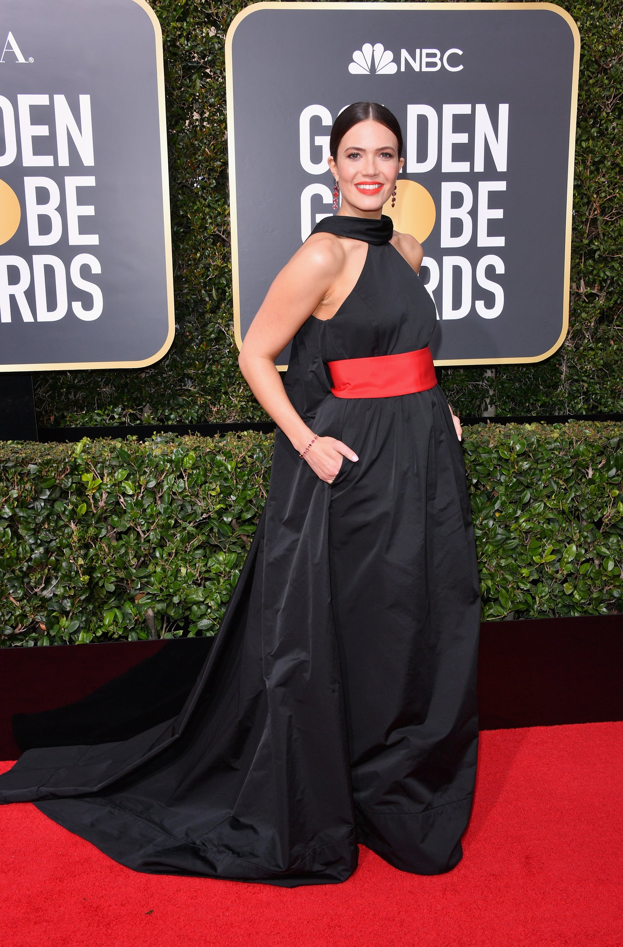 Image Result For Golden Globes Red Carpet Why Is Everyone Wearing Black