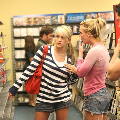 Britney and Jamie Lynn Spears Rent a DVD