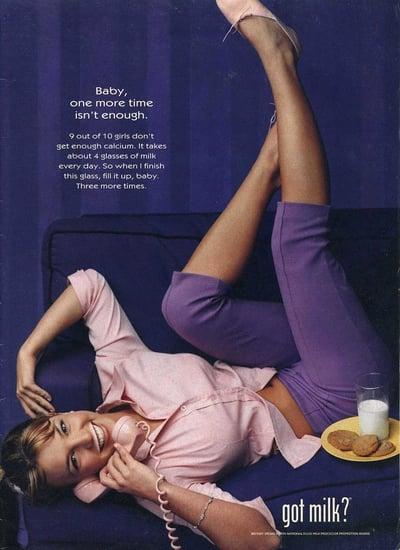 Britney-Spears-posed-milk-cookies-alongside-saying