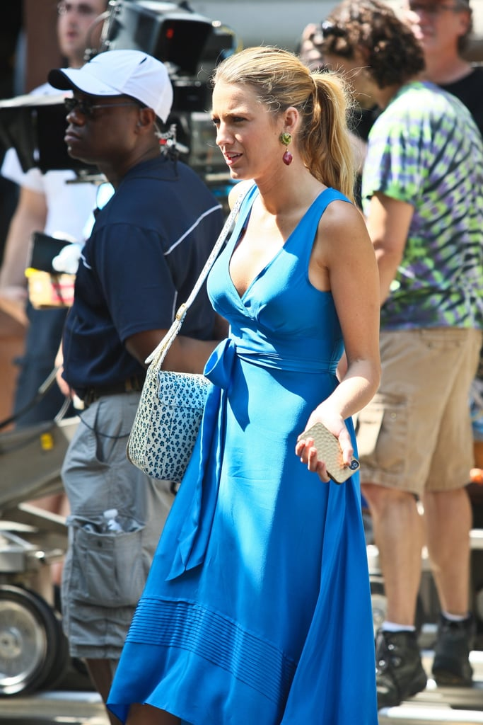 Blake Lively wore her hair pulled back in a ponytail on the set of Gossip Girl.