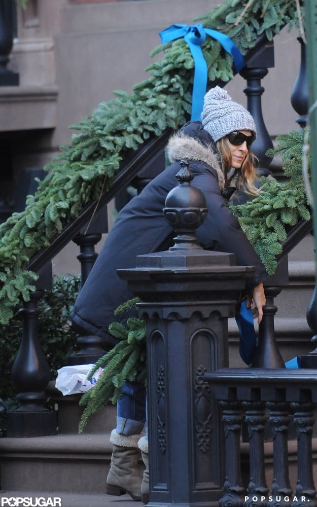 Sarah Jessica Parker was up for holiday decorating.