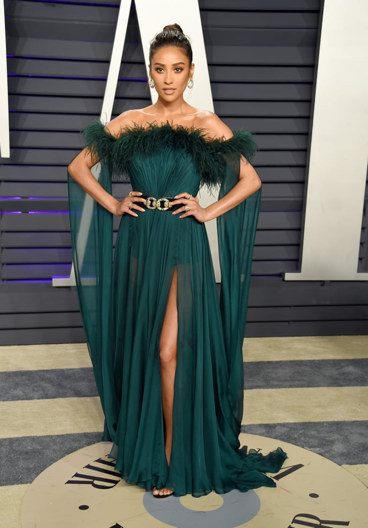 Shay Mitchell at the 2019 Vanity Fair Oscar Party | Vanity ...