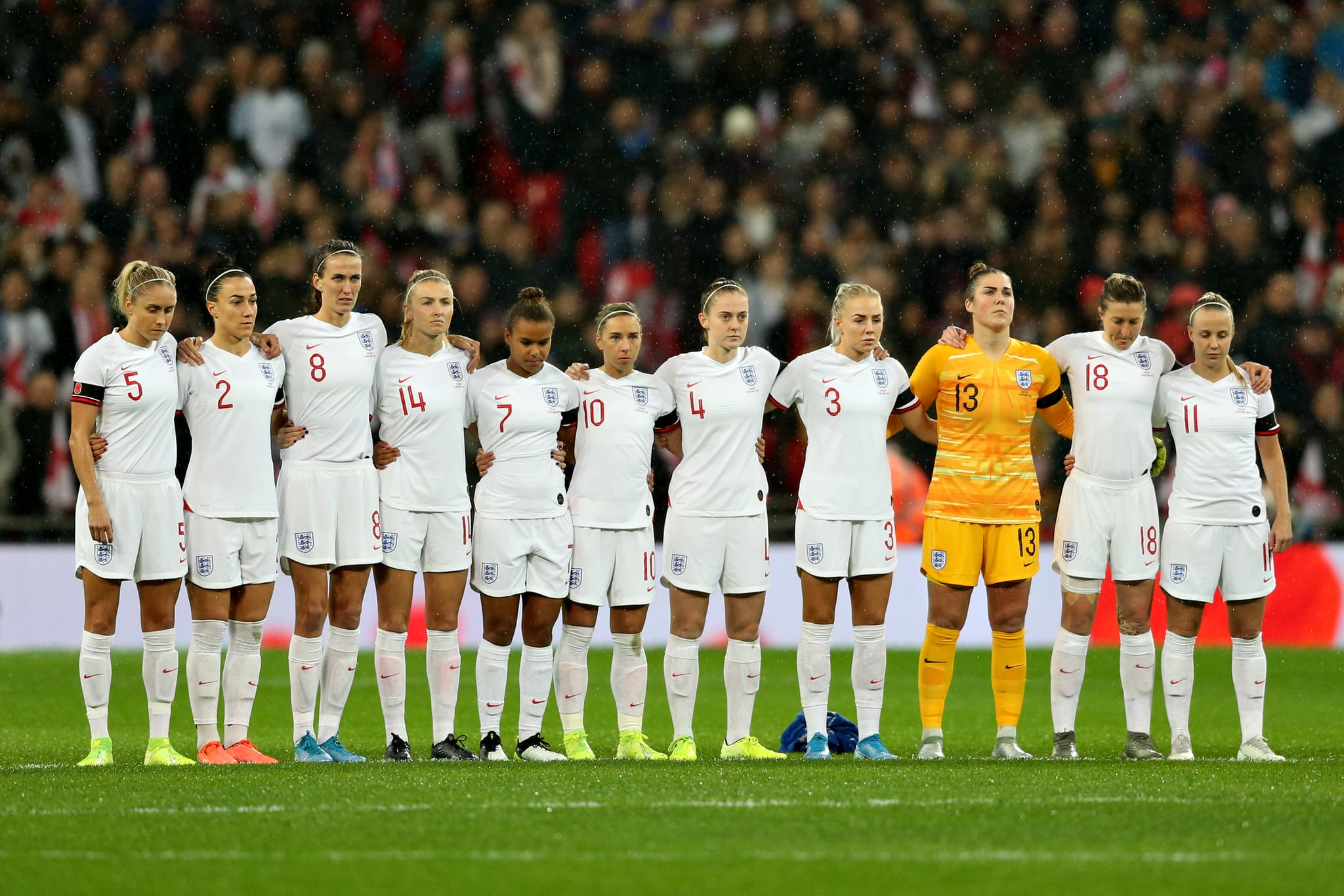 LONDON, ENGLAND - NOVEMBER 09:  The England team line up before the International Friendly between England Women and Germany Women at Wembley Stadium on November 09, 2019 in London, England. (Photo by Paul Harding/Getty Images)