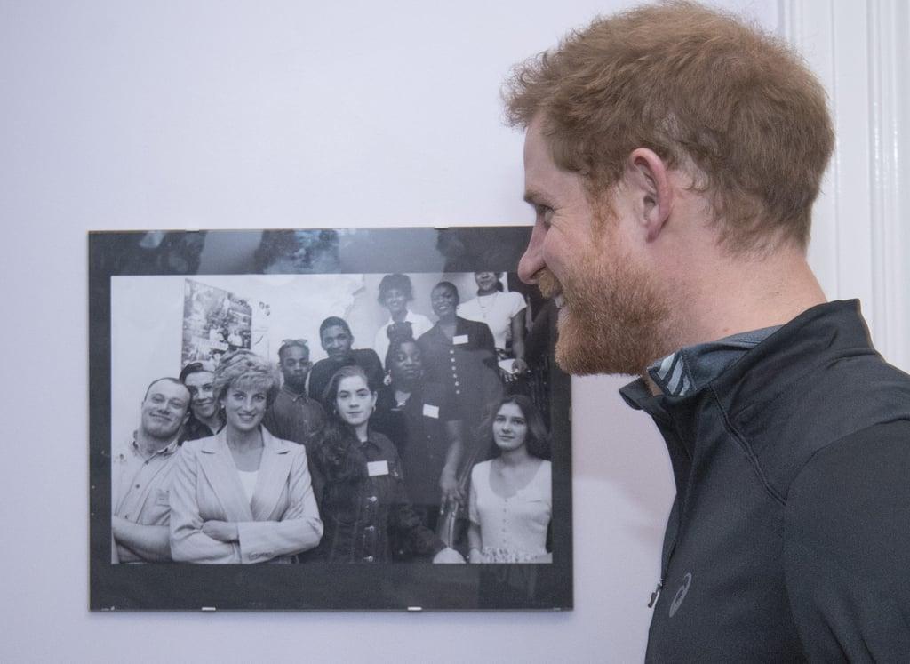 Prince Harry Re-Creates Photo of Princess Diana 2017