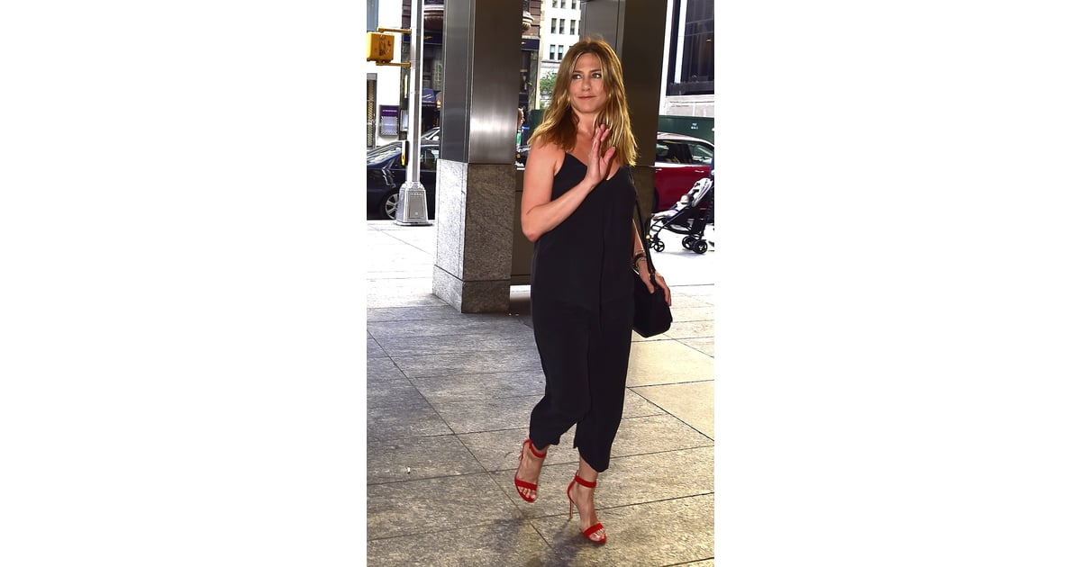 e22ed3772c35 Jennifer Aniston s Black Outfit and Red Heels June 2016