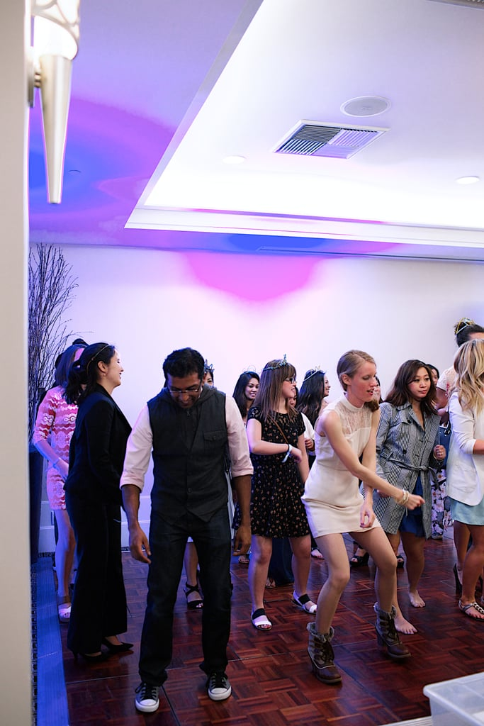 Lynn Gardiner of Learn With Lynn gave some reception-dance lessons to attendees. Photo by Ettevy Photography
