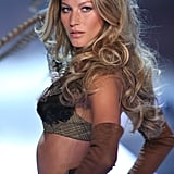 At the 2006 Victoria's Secret Fashion Show, Giselle wowed the crowd with big, bouncing curls and lots of volume.
