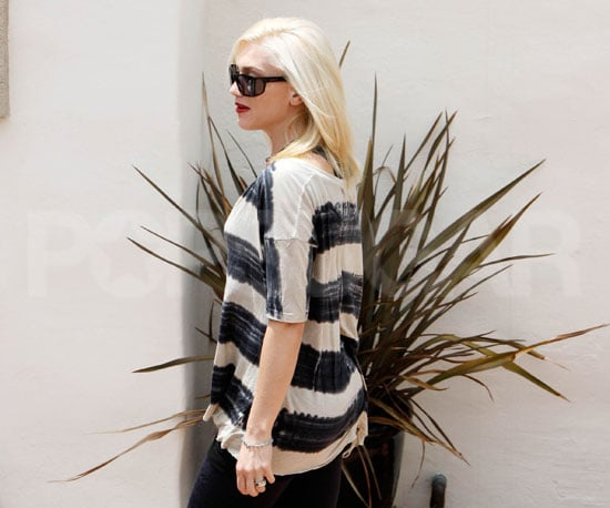 Slide Picture of Gwen Stefani in LA 2010-05-15 09:30:00
