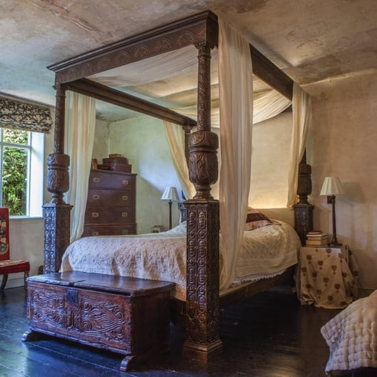 Shakespeare in Love Bed Airbnb Rental