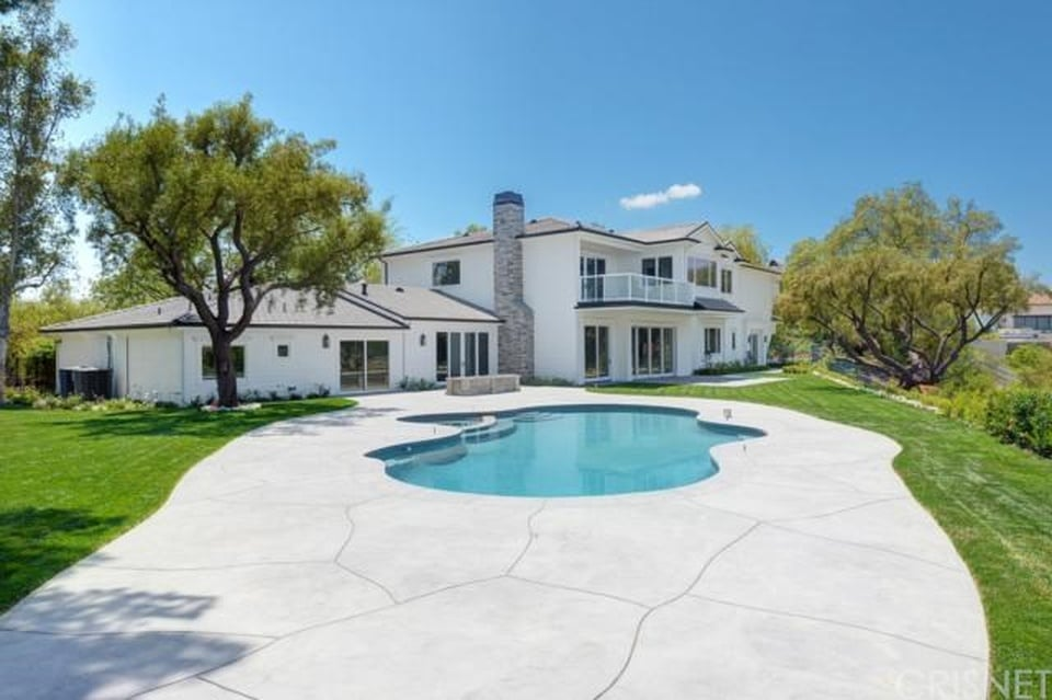 Scott disick buys new hidden hills los angeles home for New house in los angeles