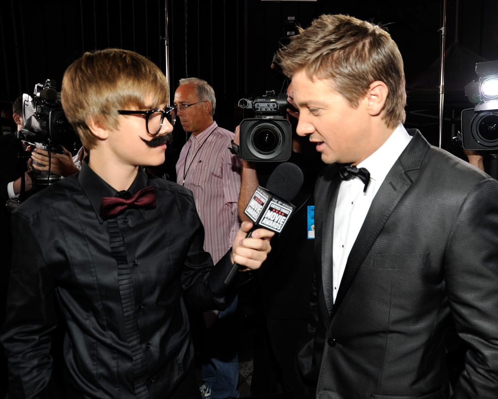 Justin Bieber wore a clever disguise while interviewing Jeremy Renner in 2011.