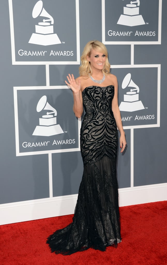 Carrie Underwood waved to the crowd on the red carpet.