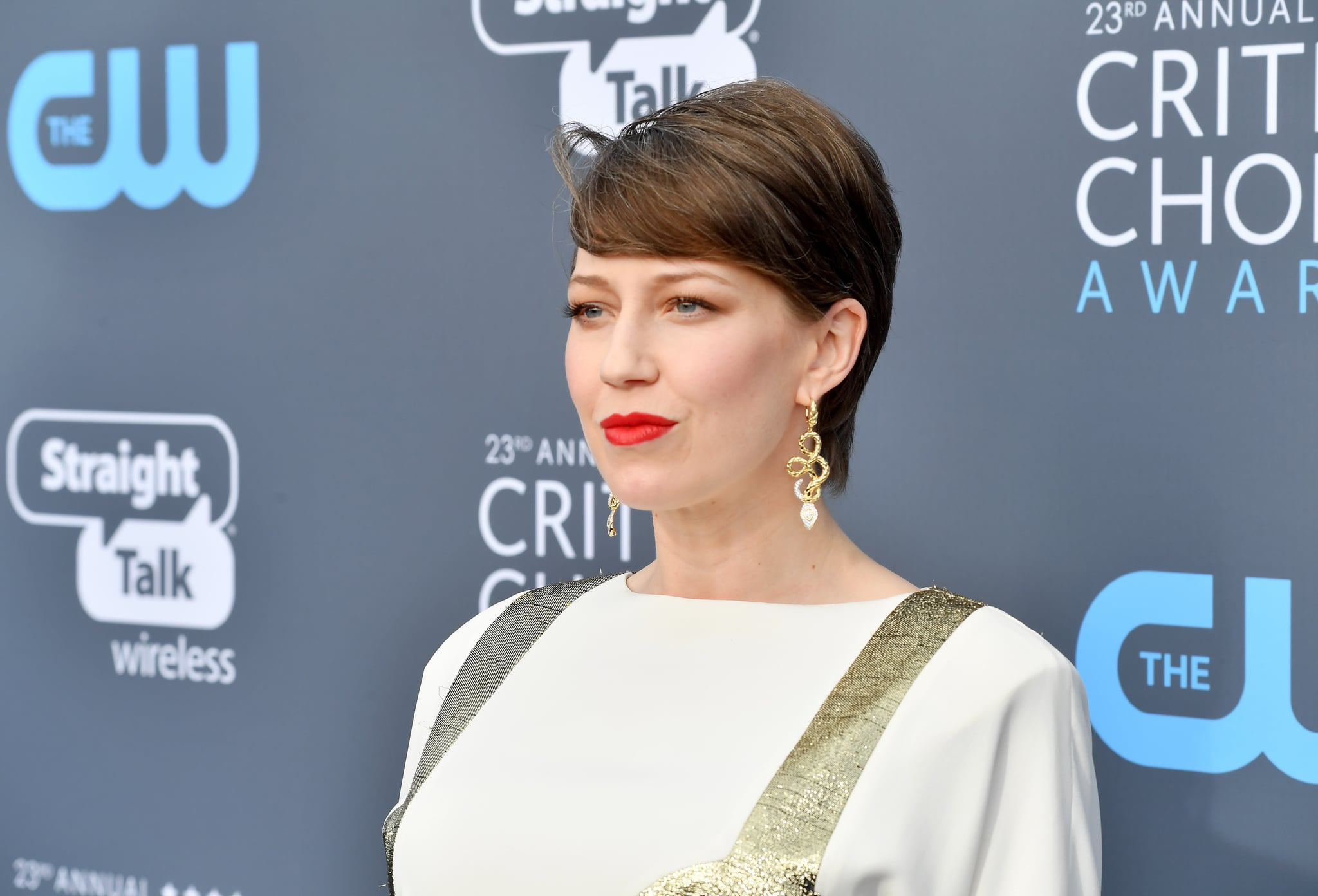 SANTA MONICA, CA - JANUARY 11:  Actor Carrie Coon attends The 23rd Annual Critics' Choice Awards at Barker Hangar on January 11, 2018 in Santa Monica, California.  (Photo by Jeff Kravitz/FilmMagic)